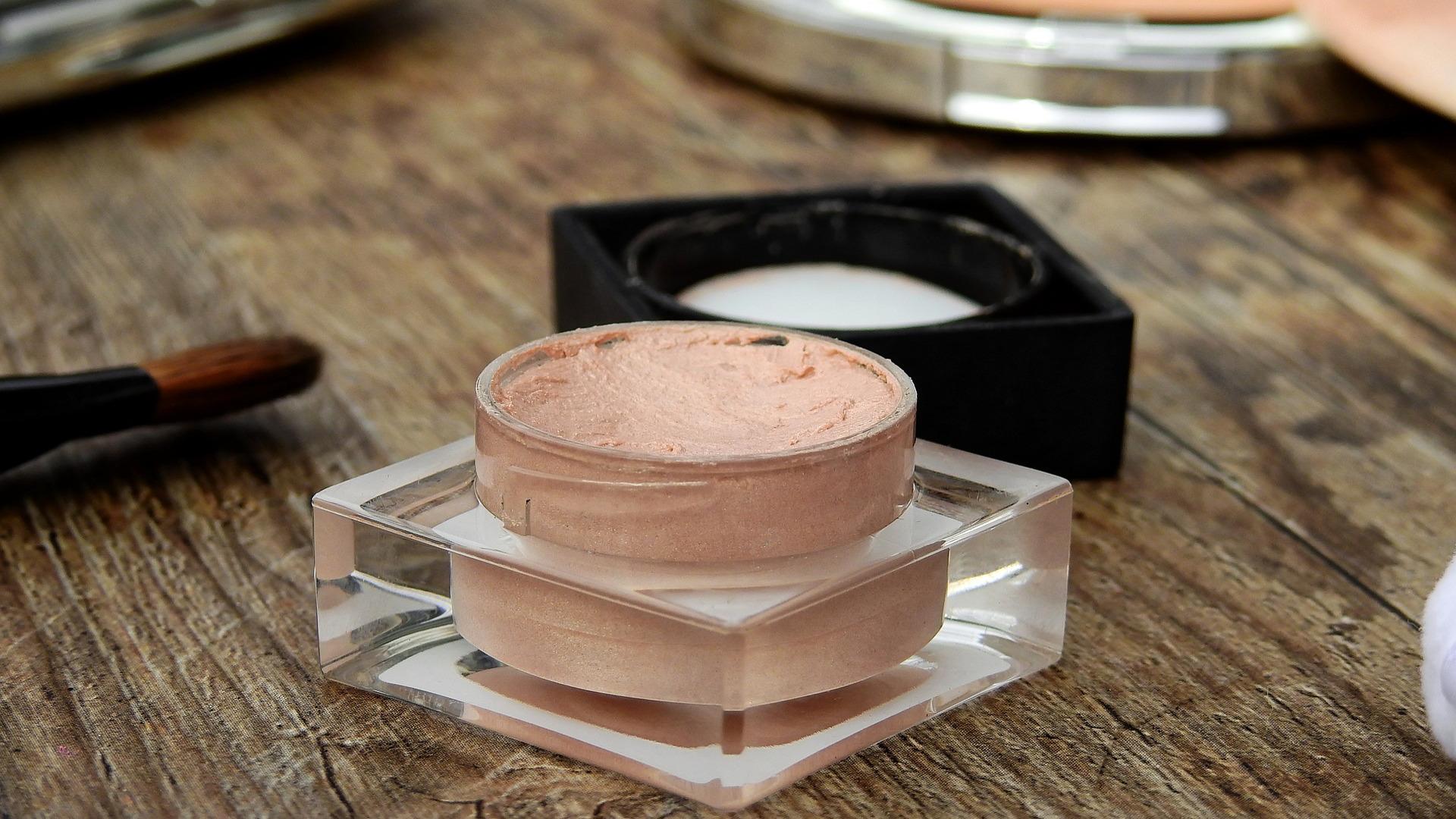 10-consejos-a-la-hora-de-usar-productos-cosmeticos-1920