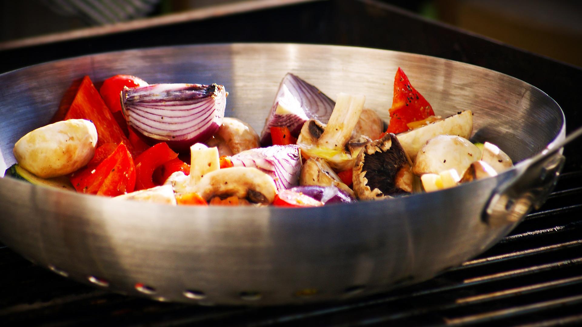 los-beneficios-de-cocinar-las-hortalizas-en-wok-1920