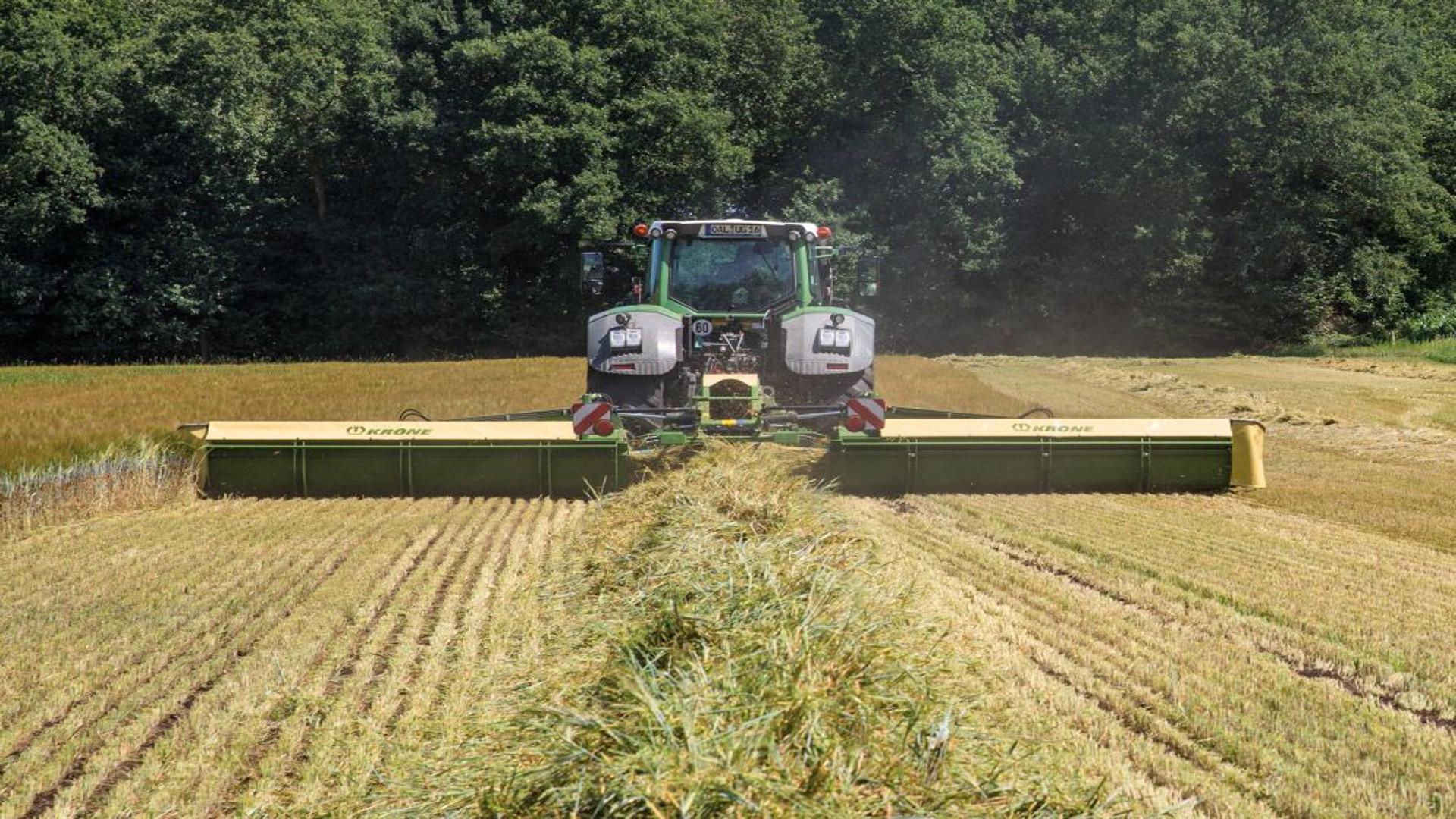 Los tractores agricolas tambien deben pasar la ITV.1920