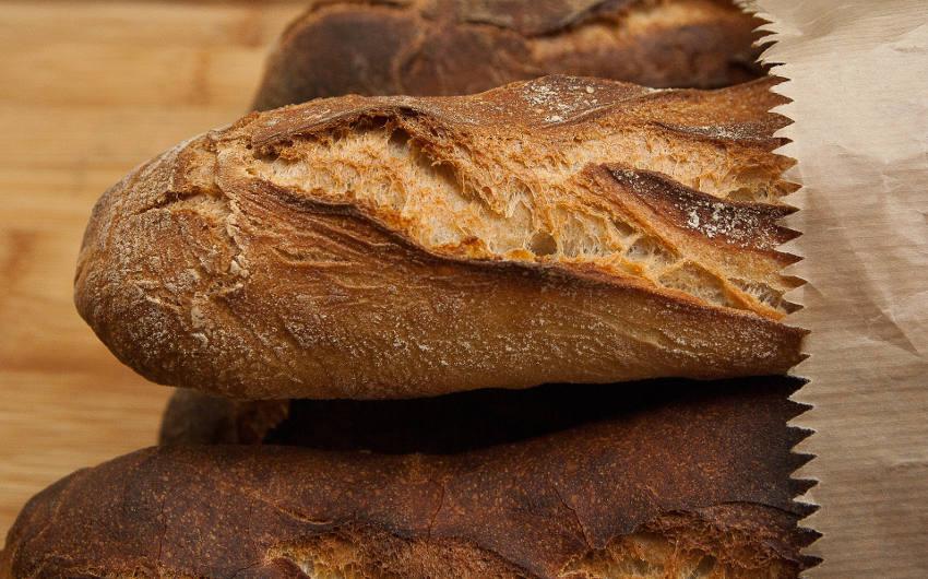 Pan del dia en ourense pan artesano panaderia cuatro caminos biriska