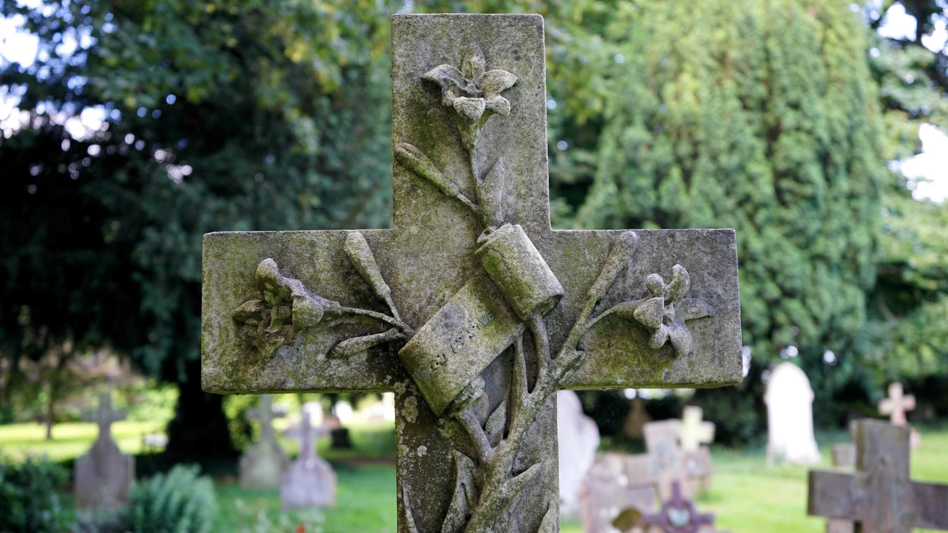 Despues de morir al cuerpo le pasan estas 10 cosas 1920