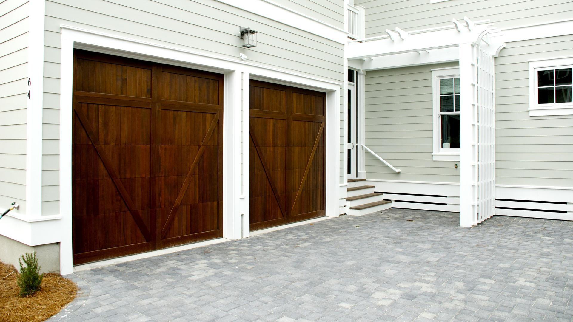 las-medidas-a-tomar-antes-de-elegir-una-puerta-de-garaje-1920