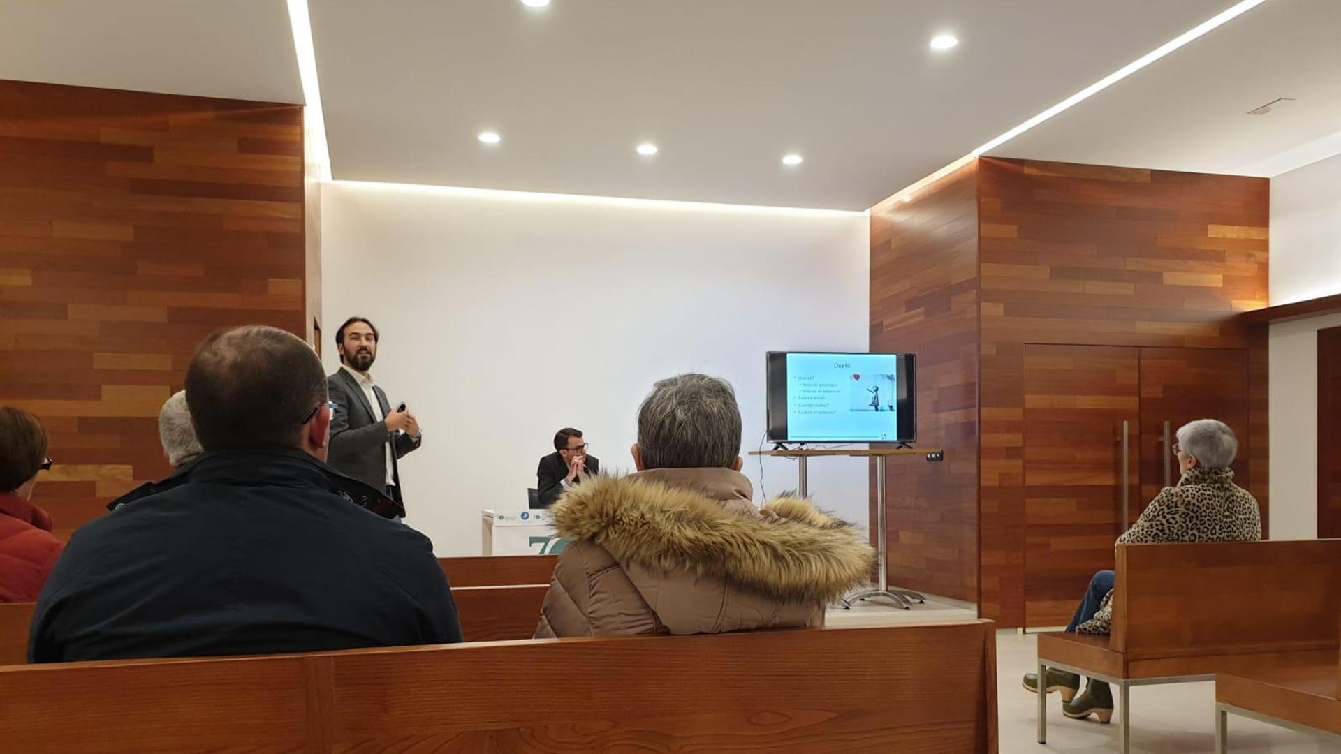 Gracias a los asistentes a la conferencia del forense Alberto Fernández1920