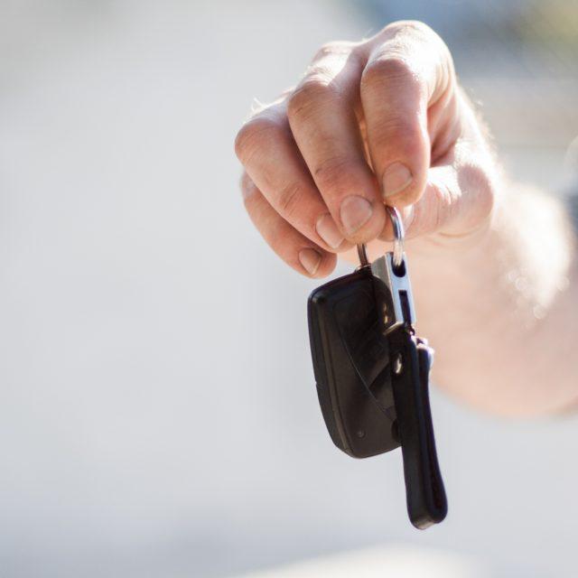 Aspectos a considerar al elegir compañía de seguros de automóvil