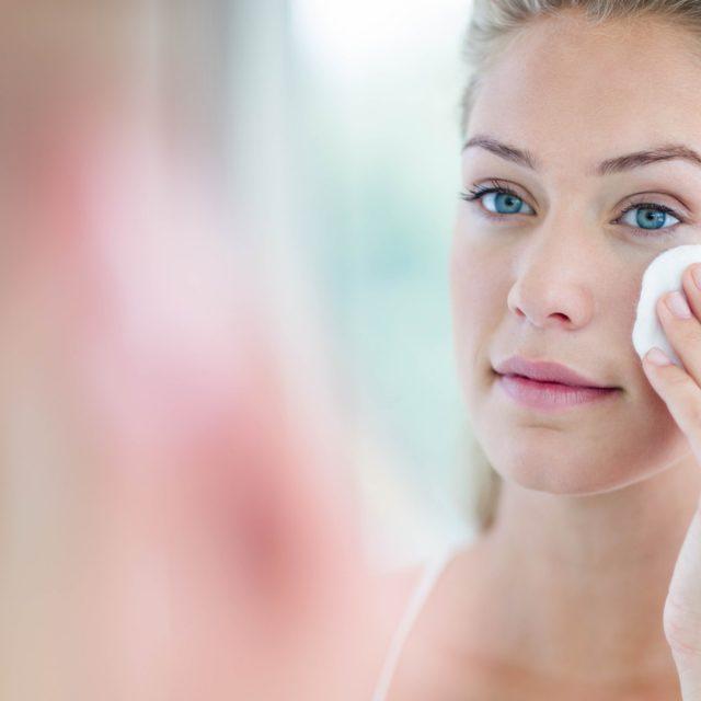 ¿Por qué es tan importante la limpieza facial diaria?