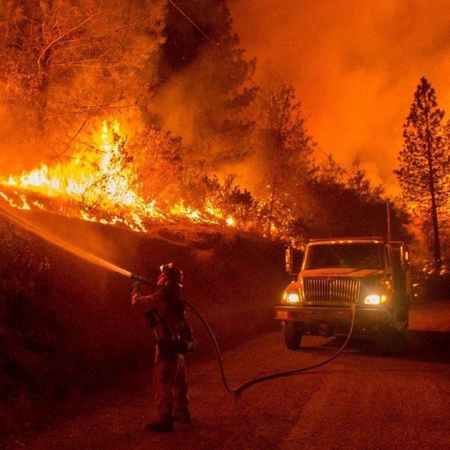 ¿Qué hacer si los incendios rodean nuestro vehículo?