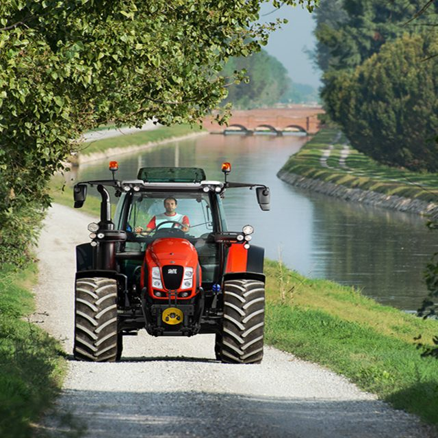 Los vehículos agrícolas necesitan un Seguro Obligatorio para circular