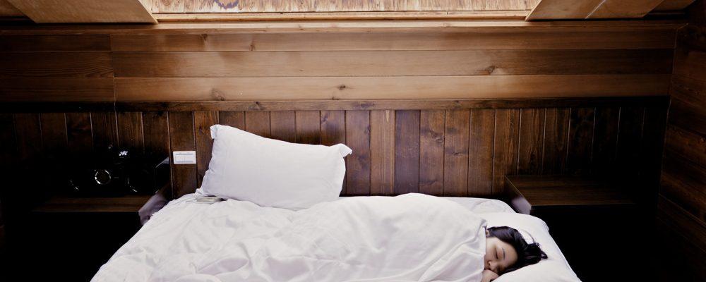 Dormir bien, el mejor truco de belleza