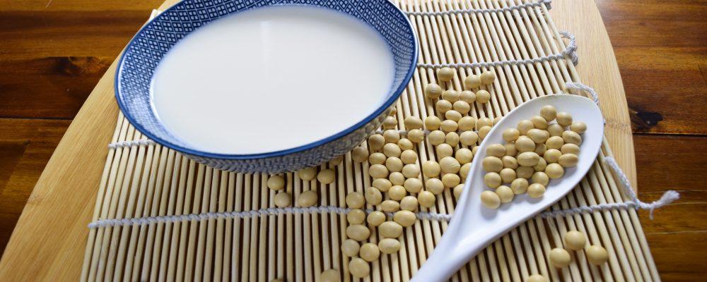 Llamar leche a las bebidas vegetales es fraudulento según la justicia europea