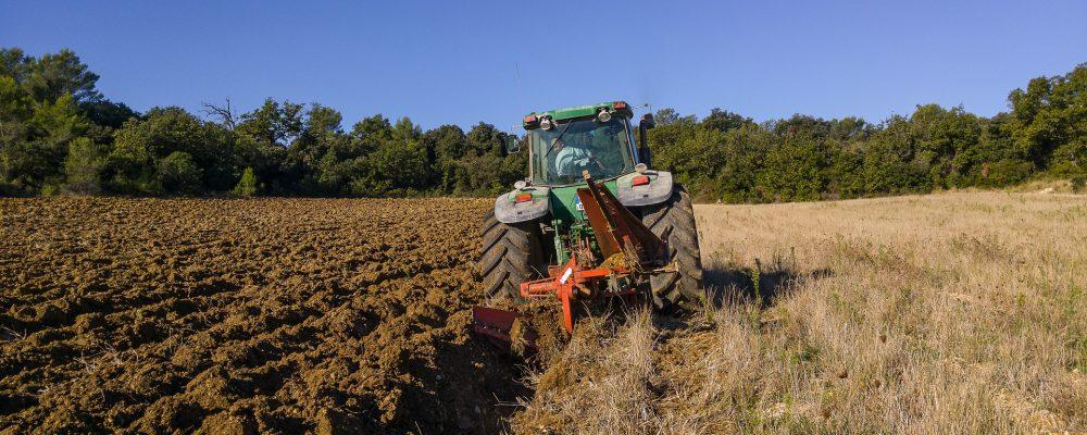 La Xunta inicia una campaña para la prevención de accidentes en el tractor