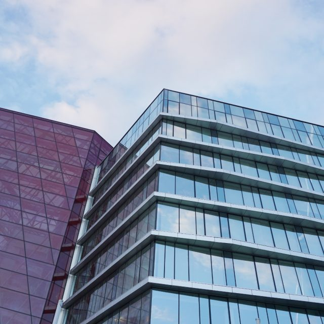 En Estados Unidos un edificio incorpora lamas de control solar fotovoltaicas