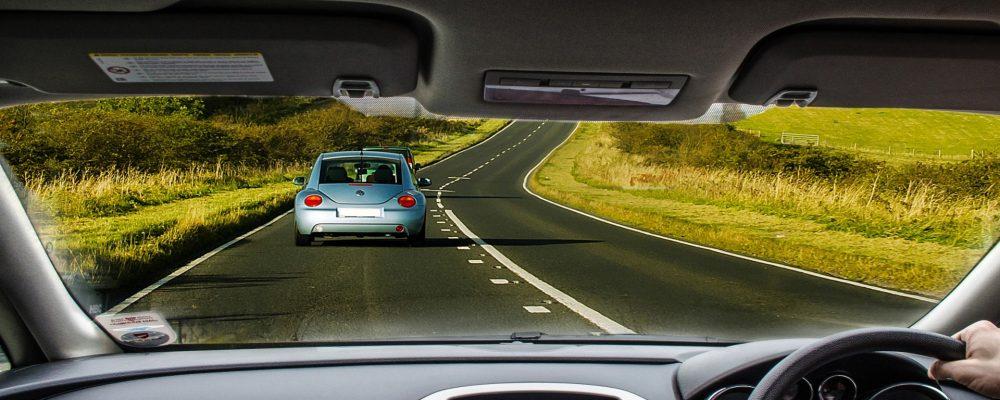 Mantener la distancia de seguridad es una norma básica de protección