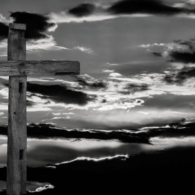 En el interior de un relicario medieval encuentran un supuesto fragmento de la Cruz de Cristo