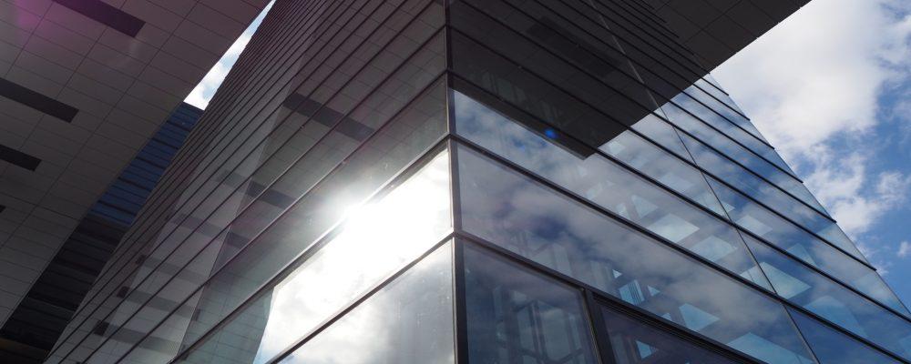¿Qué láminas solares son mejores? Las exteriores o interiores