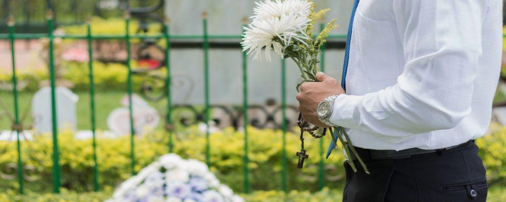 La comunicación no verbal en un funeral