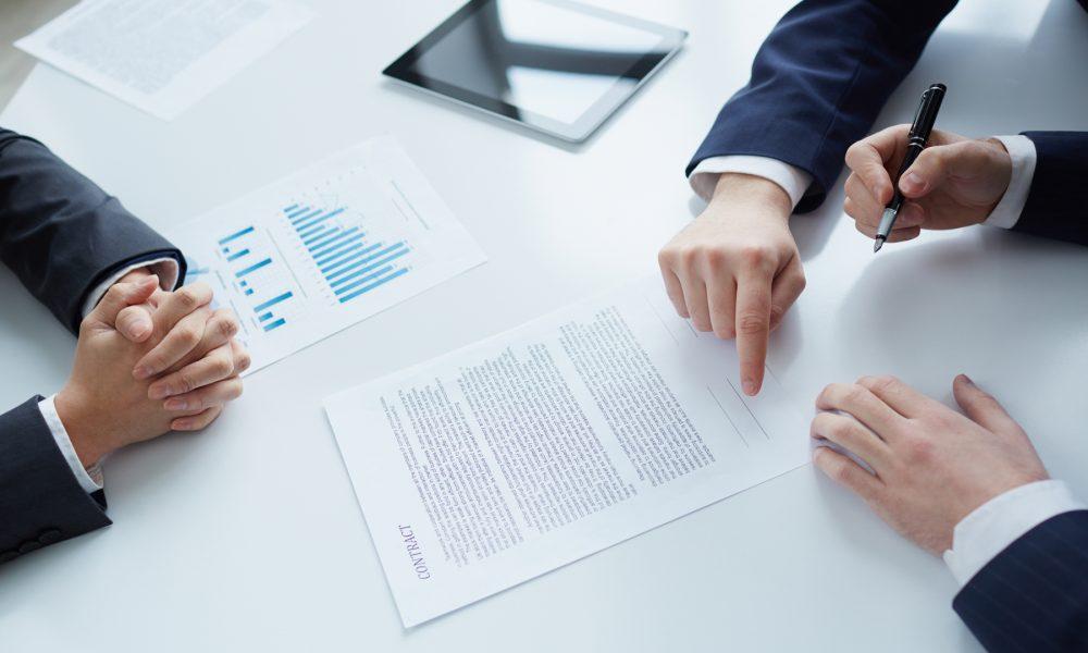 que caracteristicas y clausulas debe poseer un contrato de servicios legal Asesoria en Lugo Galicia