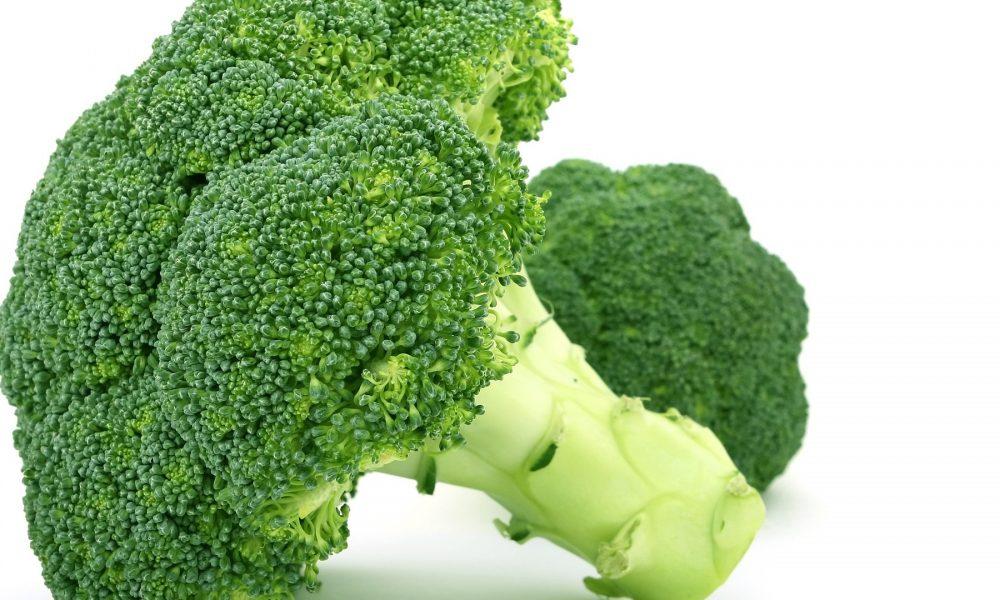 lo-que-debes-saber-a-la-hora-de-comprar-conservar-y-preparar-el-brocoli-1920