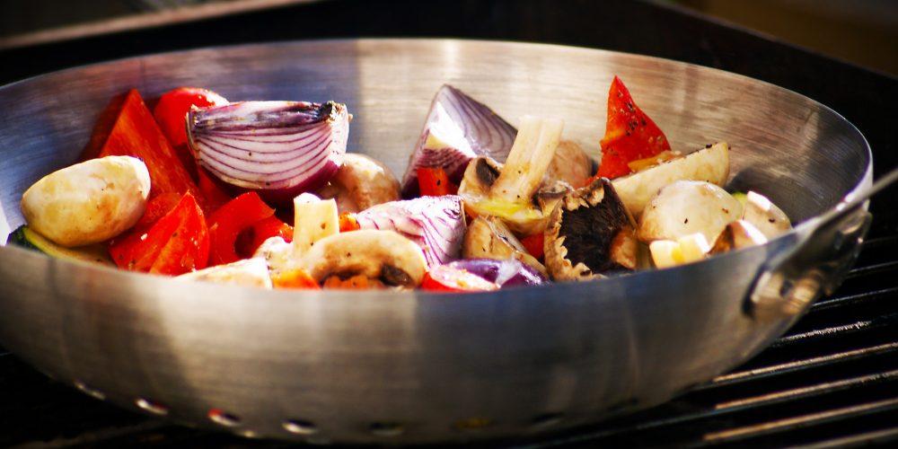 Los beneficios de cocinar las hortalizas en wok
