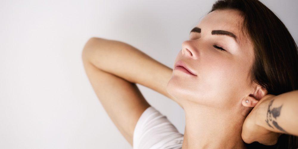 4 rutinas diarias que previenen las arrugas
