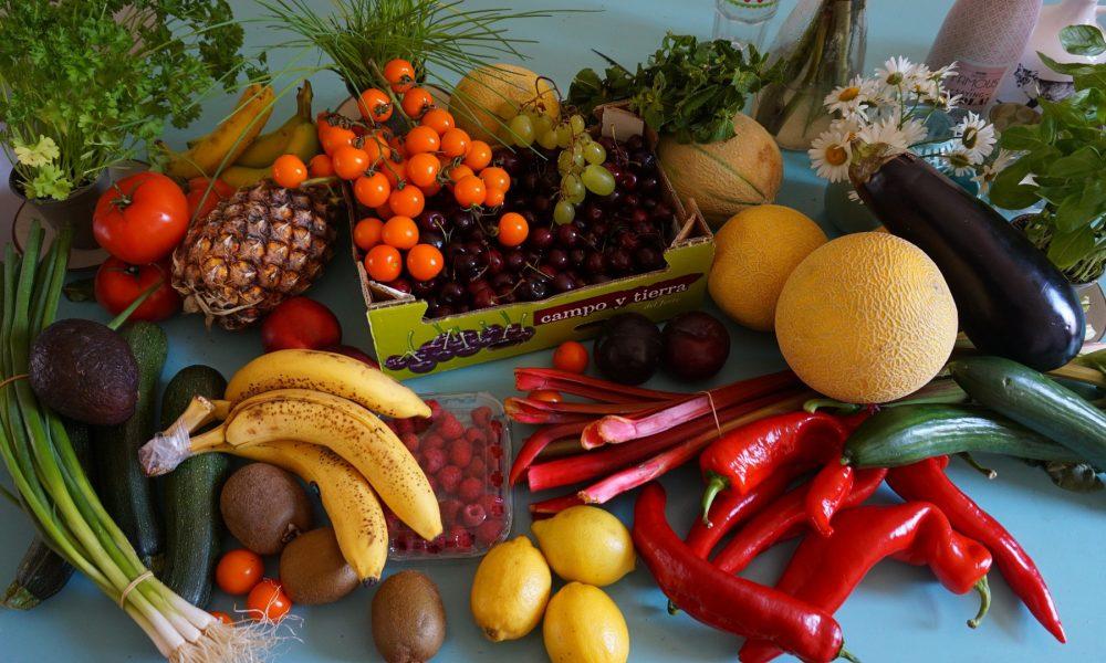 solo-1-de-cada-10-personas-comen-suficiente-fruta-y-verdura-1920