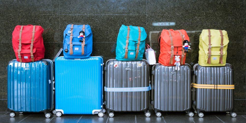 Coloca la ropa en la maleta de forma que no se arrugue