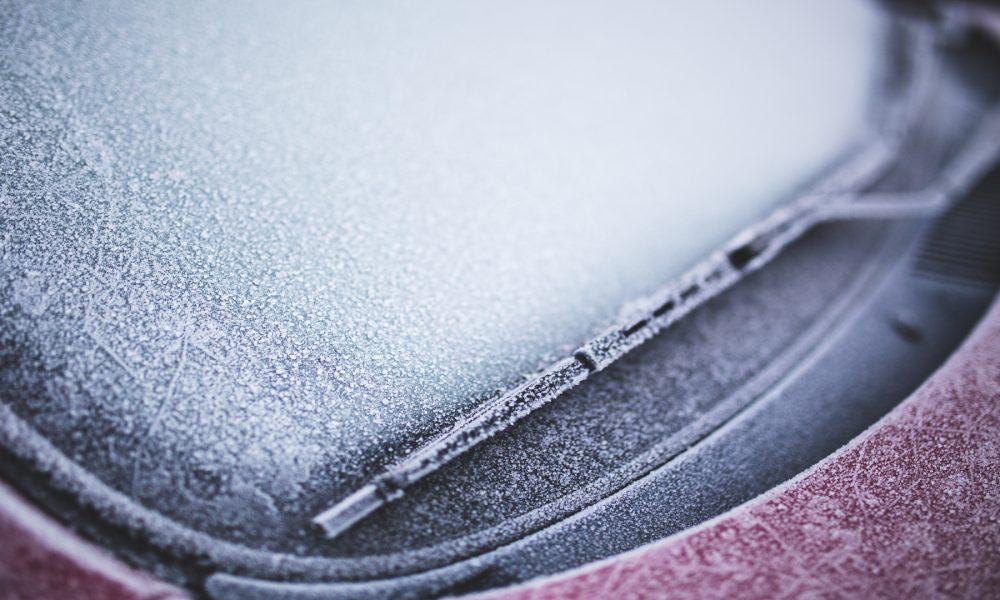 Cuidados del parabrisas en invierno1920
