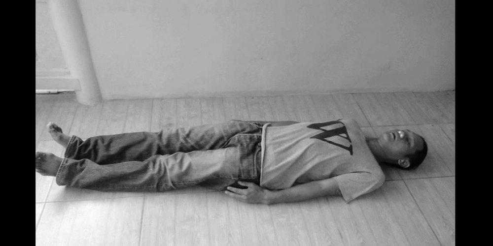 Historia de una chapuza: El hombre que fingió su propia muerte y contesta una llamada de móvil