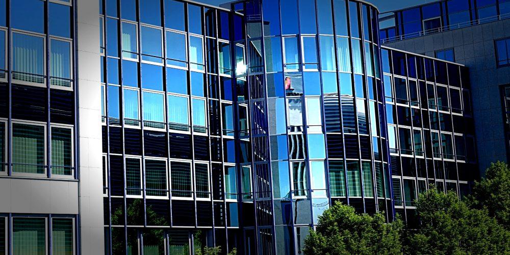 Materiales solares transparentes aplicables a ventanas