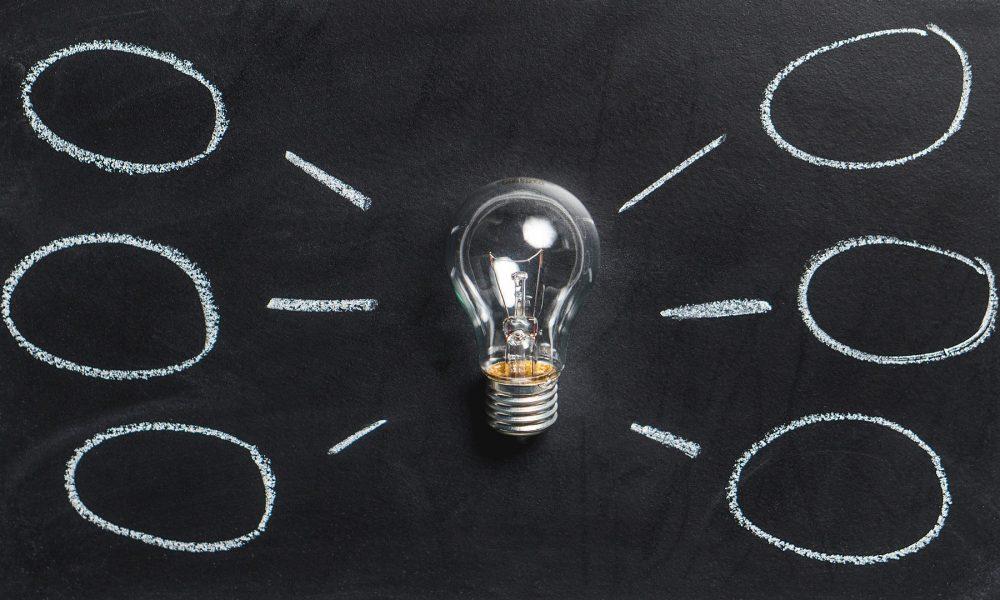 brainstorming-tecnica-creativa-para-promover-el-desarrollo-de-una-empresa-1920