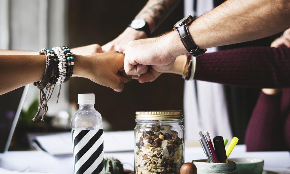 como influyen las buenas practicas empresariales sobre el clima laboral de las empresas