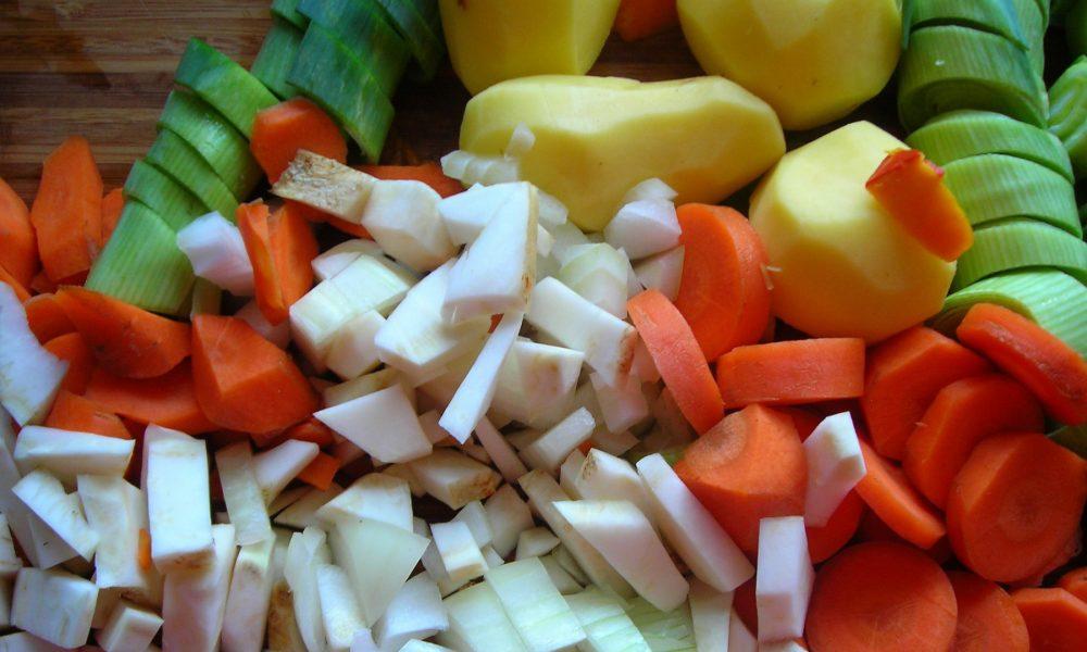 compensa-las-comilonas-navidenas-con-mas-verdura-legumbres-y-fruta-1920