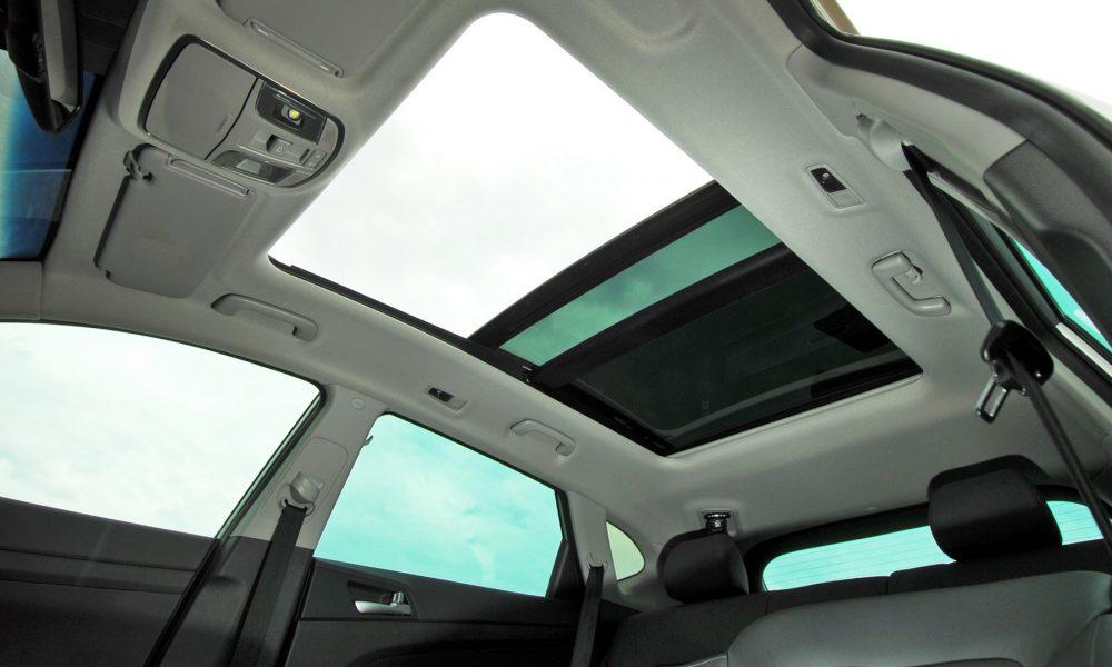 la temperatura interior del vehículo a estudio