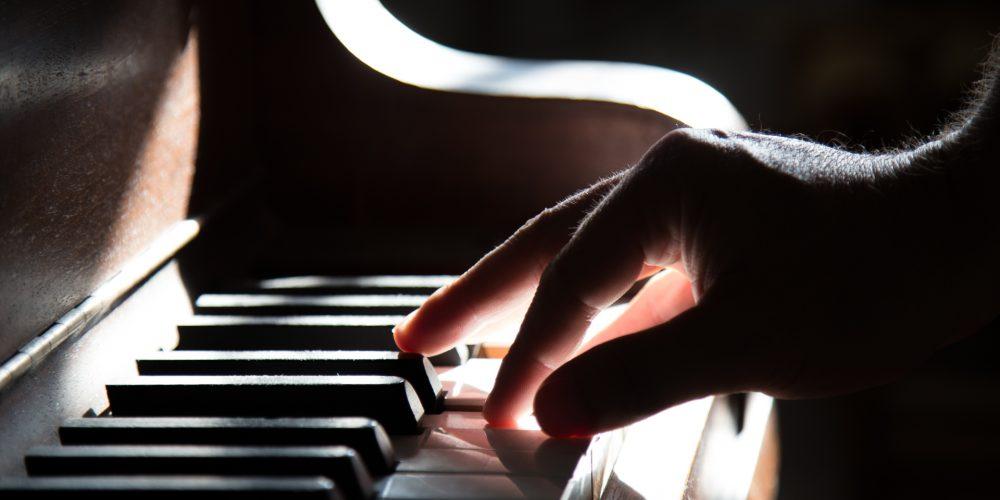 Instrumentos musicales: Lo que no debe faltar en tiendas de música
